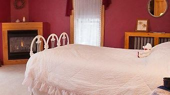 The Sawyer House Bed & Breakfast photos Room