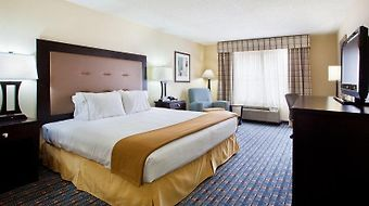 Holiday Inn Express Alpharetta - Roswell photos Room