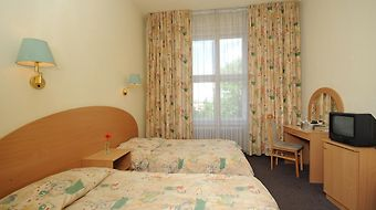 Hunguest Hotel Platanus Budapest photos Room
