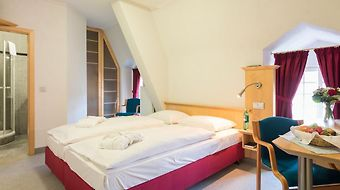 Schlosshotel Weilburg photos Room