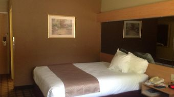 Microtel Inn & Suites By Wyndham Southern Pines photos Room