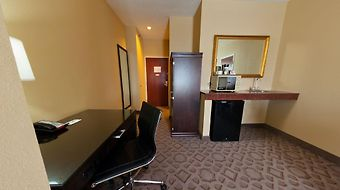 Radisson Hotel And Conference Center Rockford photos Room