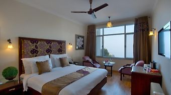 Royal Orchid Fort Resort photos Room