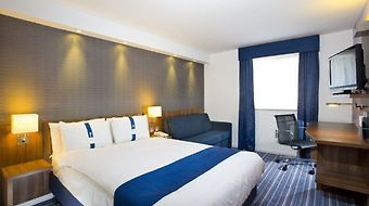 Holiday Inn Express Leeds East photos Room Room information
