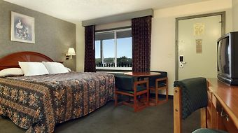 Days Inn Conference Center Branford New Haven photos Room Hotel information