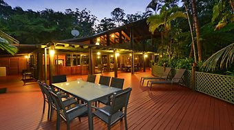 Wait A While Daintree Holiday House photos Room