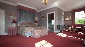 Corse Lawn House Hotel photos Room Hotel information