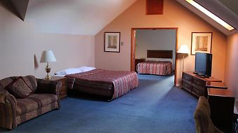 Canadas Best Value Inn photos Room Family Suite