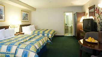 Wyndham Garden San Diego Near Seaworld photos Room Queen Room with Two Queen Beds