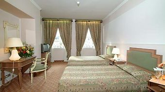 Berchielli Florence photos Room Deluxe Double or Twin Room with River View