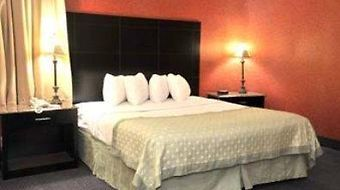 Ramada Newburgh/West Point photos Room King Suite