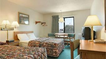 Super 8 Wichita East Kellogg photos Room Queen Room with Two Double Beds
