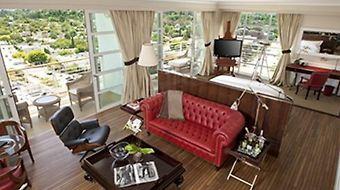 Mr. C Beverly Hills photos Room Signature Suite