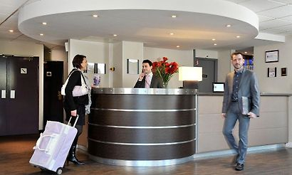 montigny le bretonneux hotels 7 hotels in montigny le bretonneux france cheap and luxury. Black Bedroom Furniture Sets. Home Design Ideas