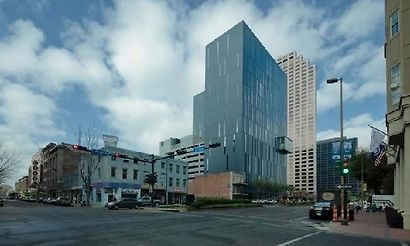 Hotels near mercedes benz superdome new orleans for Hotels near mercedes benz superdome in new orleans