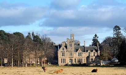 Hotels near Raigmore Hospital Tower in Inverness