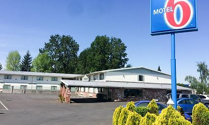 Gresham or hotels 11 hotels in gresham united states cheap and luxury for Mt hood community college pool open swim