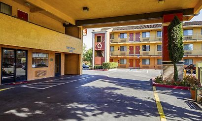 Cheap and budget hotels stockton Public swimming pools in stockton