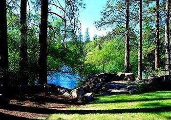River House Bed And Breakfast Nine Mile Falls Wa