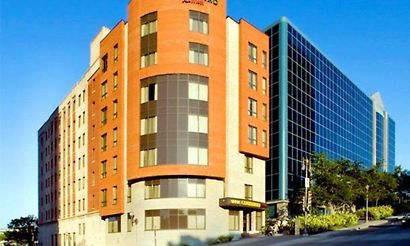 Quebec city hotels 178 hotels in quebec city canada for Campus notre dame de foy piscine