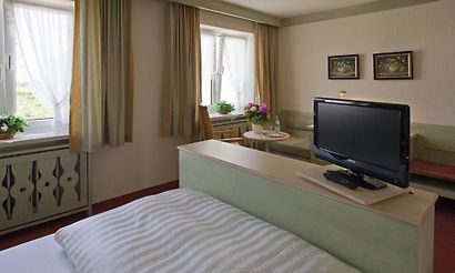 germering hotels 2 hotels in germering germany cheap. Black Bedroom Furniture Sets. Home Design Ideas